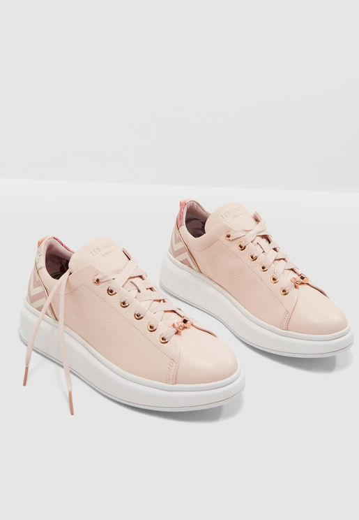 Ailbe Low Top Sneaker