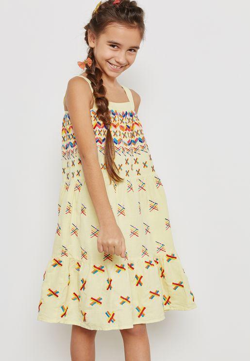 فستان بتطريز ملون