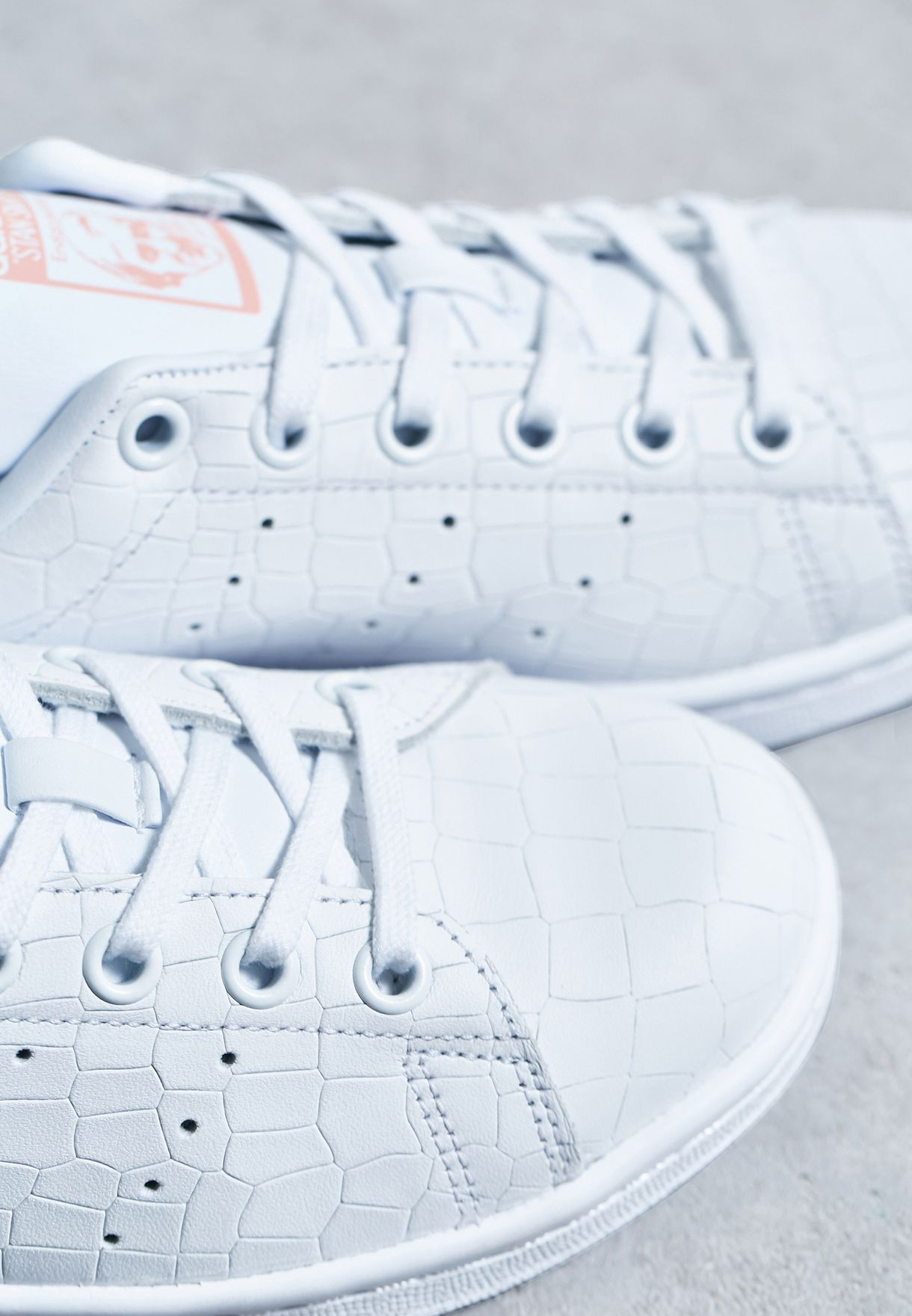 adidas Originals. Stan Smith J