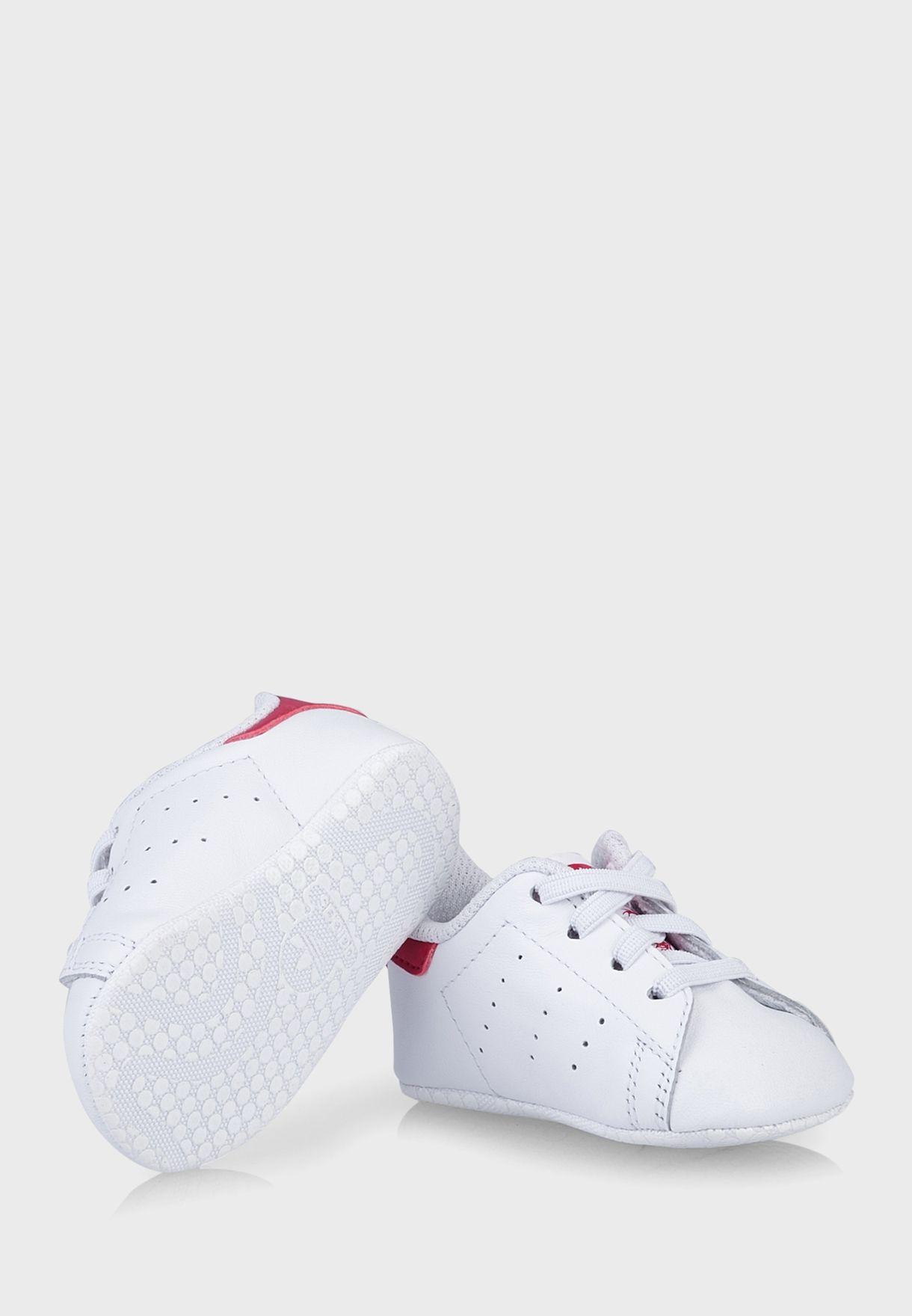 Shop adidas Originals white Stan Smith Crib S82618 for Kids in ... 199f691b5