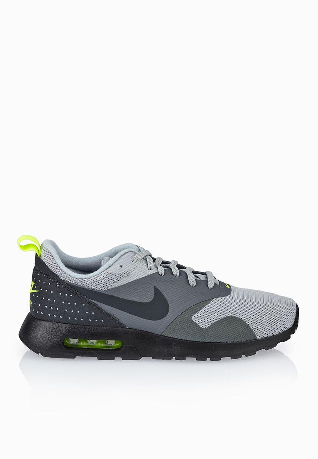Nike 705149 Mens Air Max Tavas Low Top Running Athletic