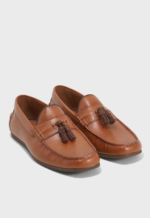 حذاء عصري مريح