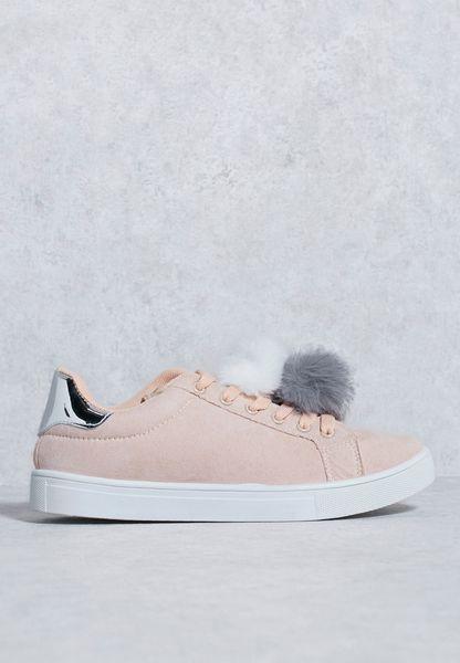 حذاء بكرات فرو صناعي