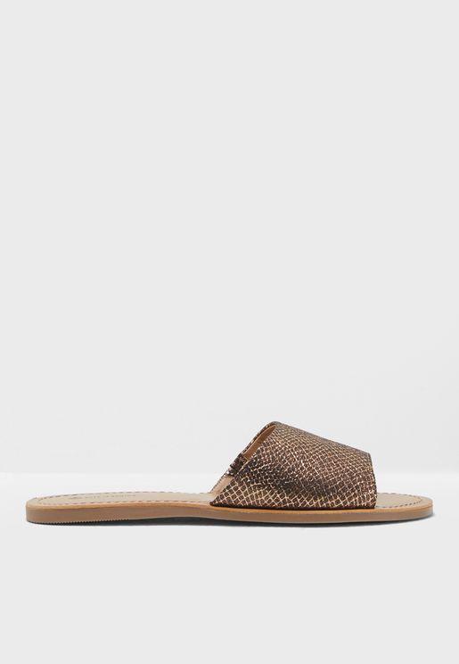 Thirenia Flat Sandal