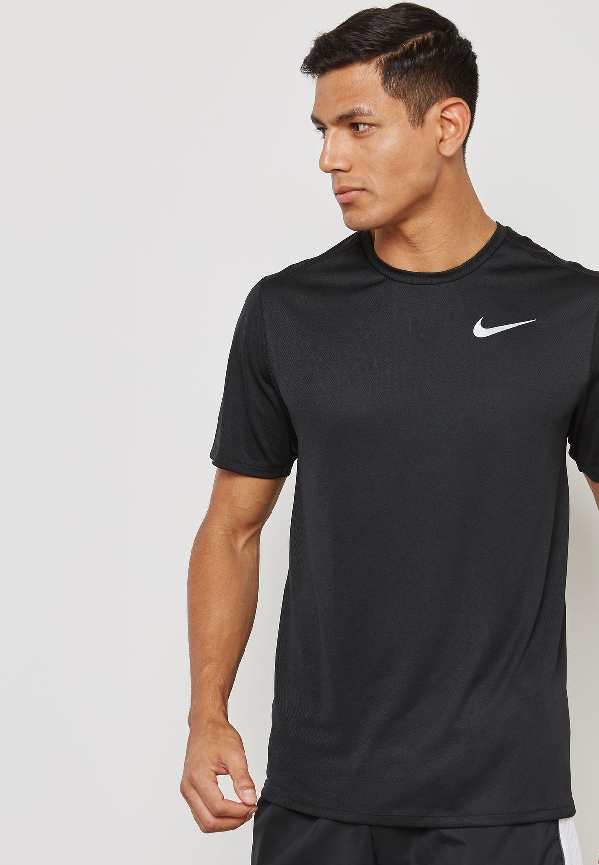 fae4f2e9 Shop Nike black Breathe Run T-Shirt 904634-010 for Men in UAE ...