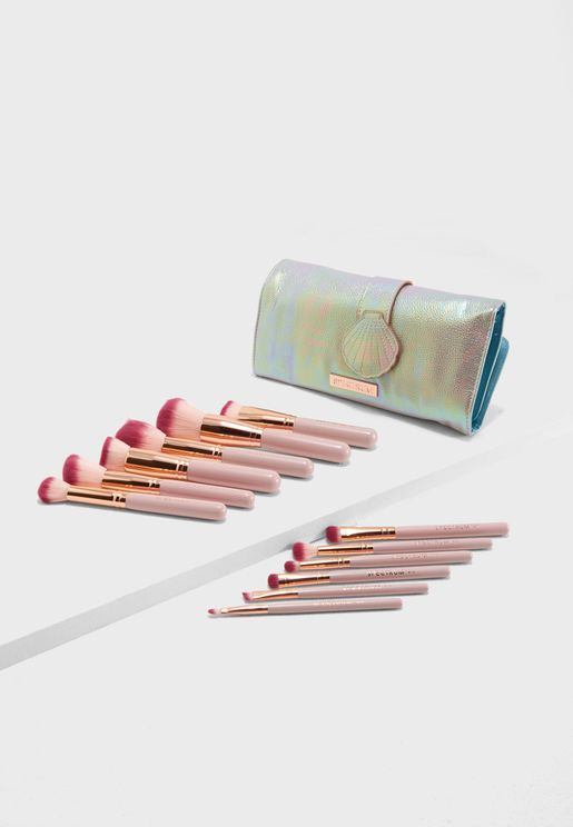 Bomb Shell Set With Oyster Roll Make Up Brushes