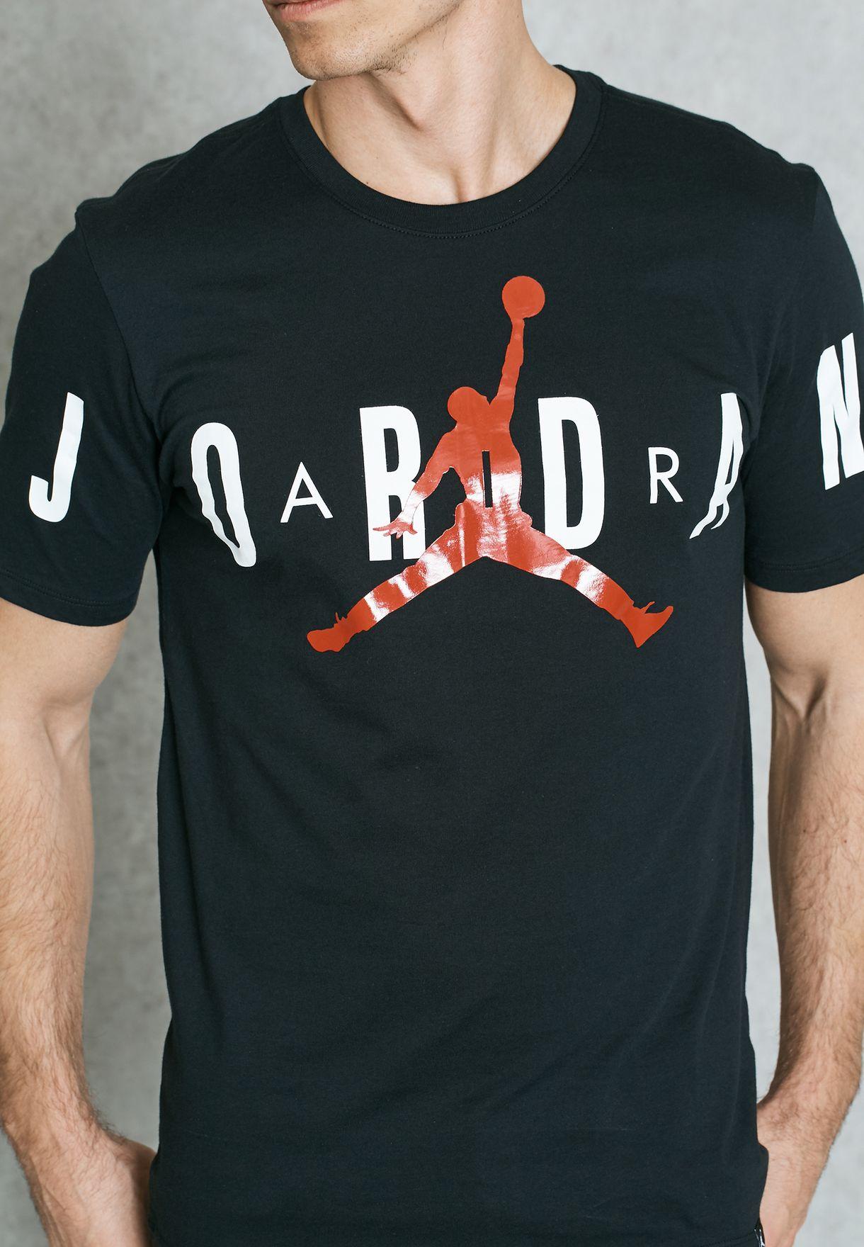dcced2834fe Shop Nike black Jordan Stretched T-Shirt 840398-010 for Men in ...