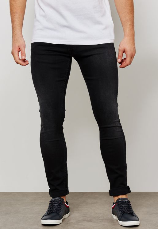 بنطال جينز من مجموعة لويس هاميلتون