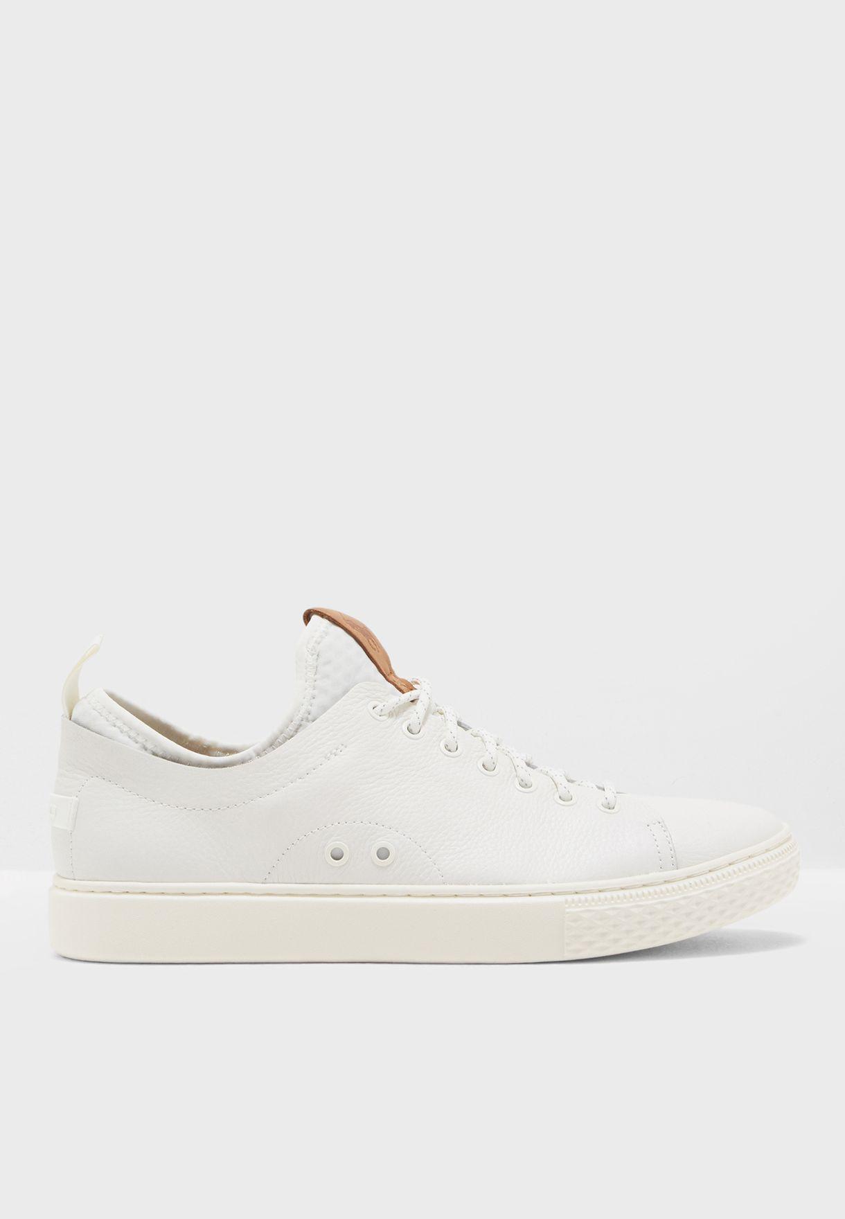 36a7b011d4c4 Shop Polo Ralph Lauren white Dunovin Sneakers 816713104001 for Men ...