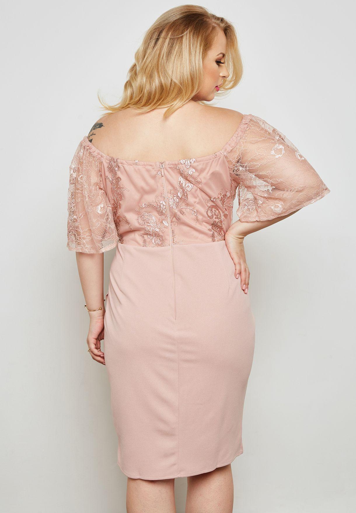 فستان بنمط لف واجزاء دانتيل