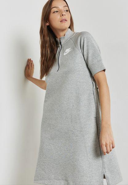 فستان رياضي بشعار الماركة