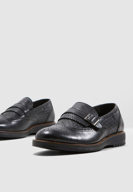 Wing Cap Brogue Causal Slip Ons