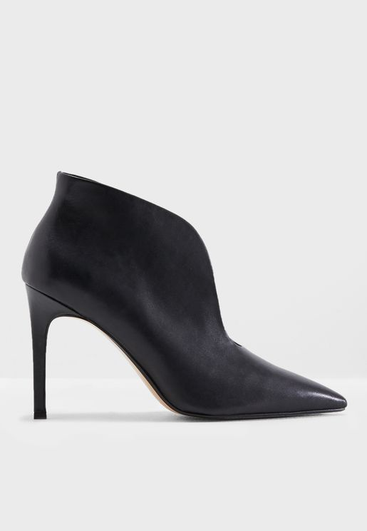 Pico Slit Leather Ankle Boots