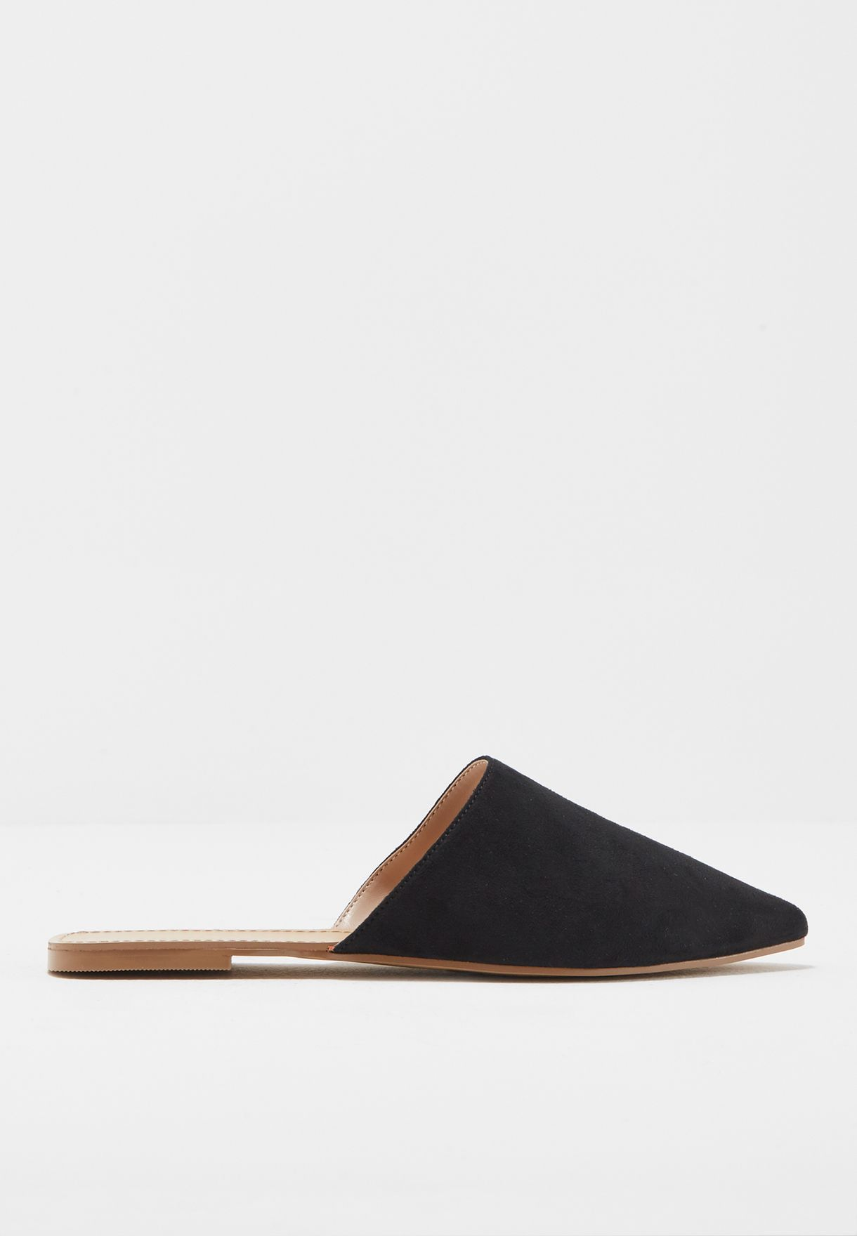 513862f7f Shop Forever 21 black Faux Suede Pointed Flats 91445 for Women in ...