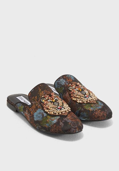 Shop Steve madden prints Hugh Slip Ons HUGH for Women in UAE - ST977SH75ONC
