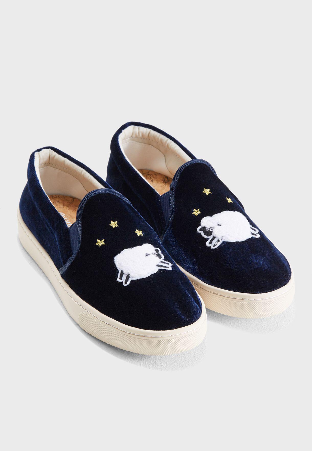 حذاء مخملي سهل الارتداء