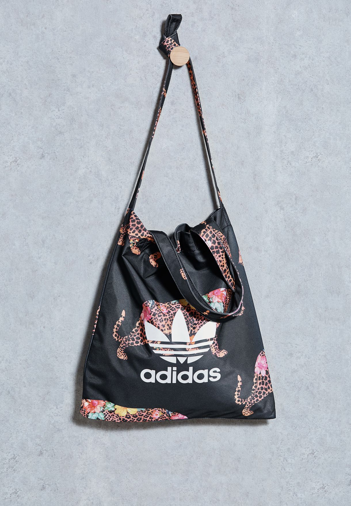 45cc72932c adidas Originals. Oncada Shopper