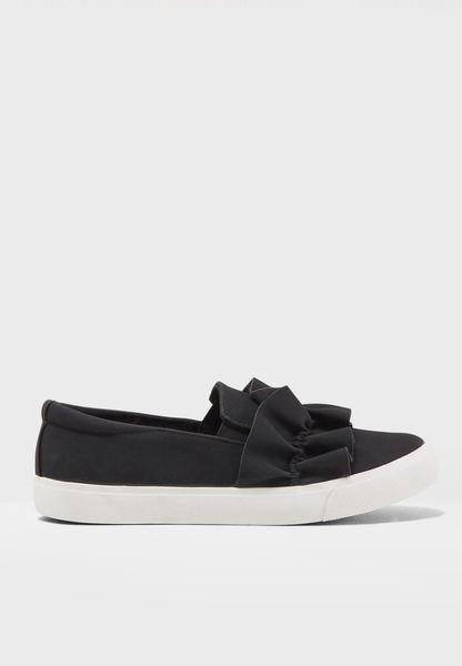 حذاء سهل الارتداء مزين بكشكش