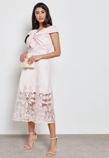 فستان انيق بحافة دانتيل