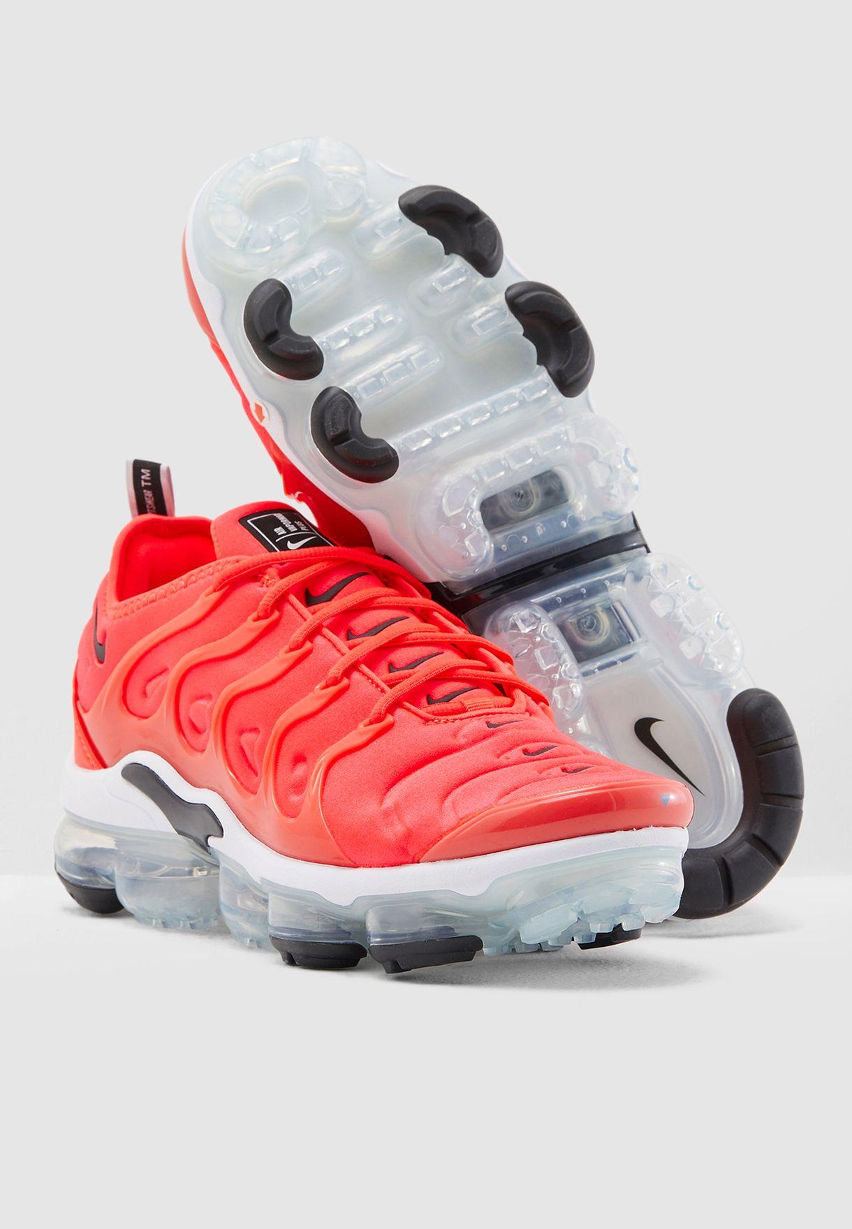 3f4c752d973d Shop Nike pink Vapormax Plus 924453-602 for Men in UAE - NI727SH65EUK