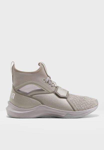 حذاء فينوم إي بي