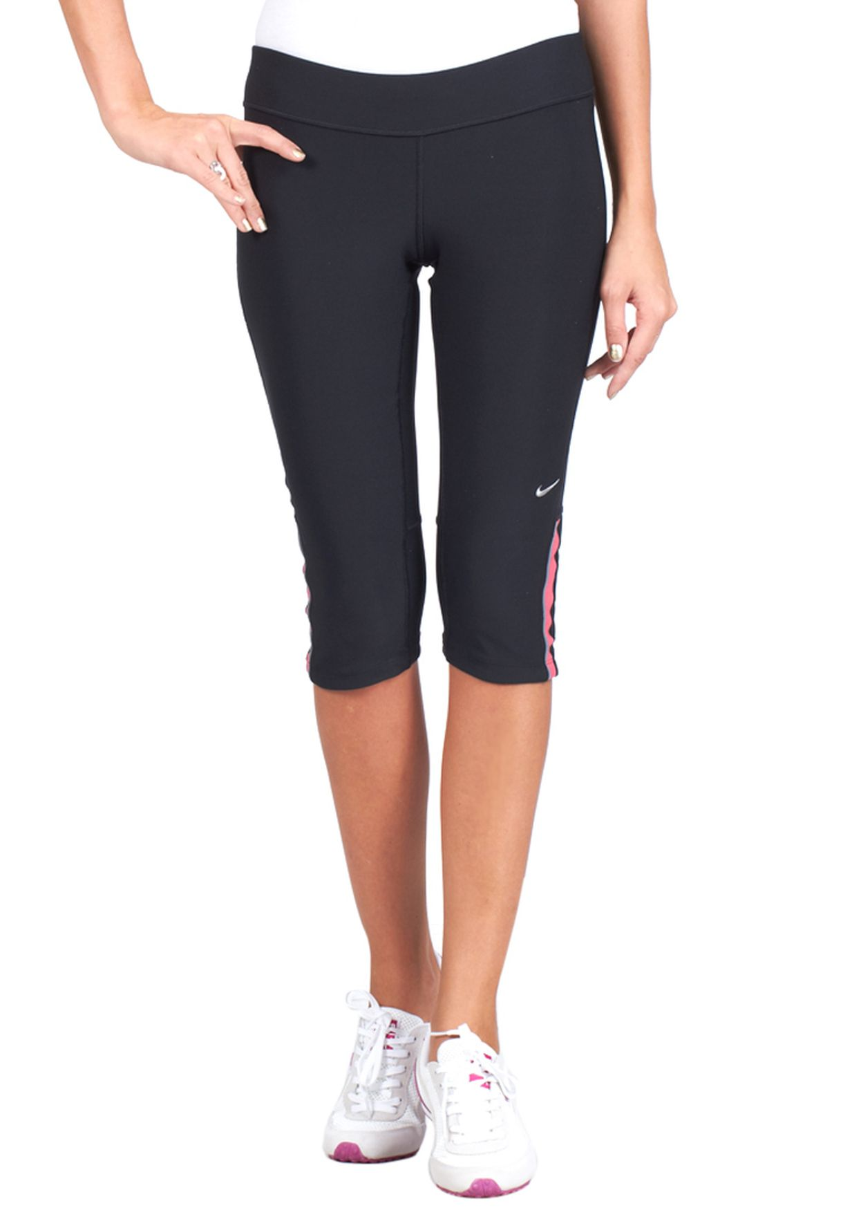 e256ff994549 Shop Nike black Filament Capri Bottoms 405334-033 for Women in UAE ...