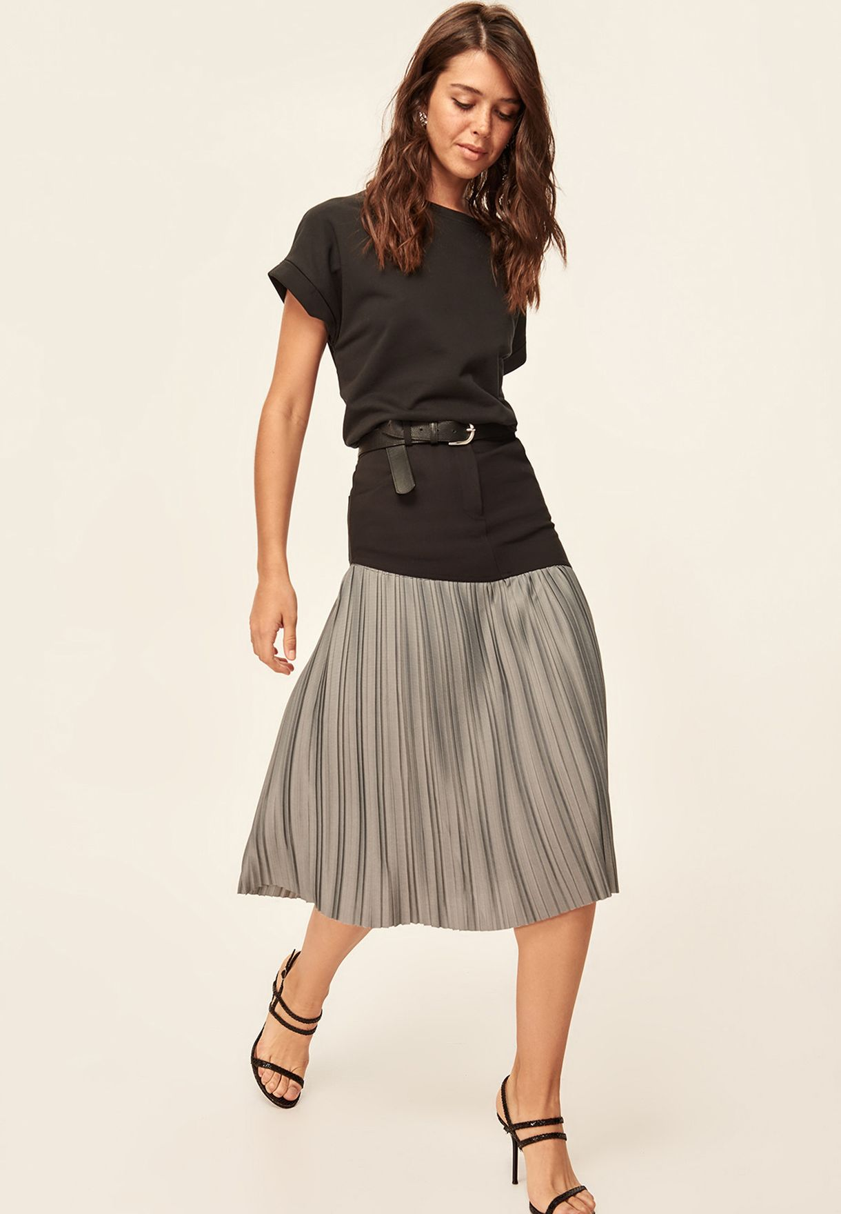88240a91bb Shop Trendyol black Pleated Skirt TCLAW19MS0004/SIYAH for Women in ...