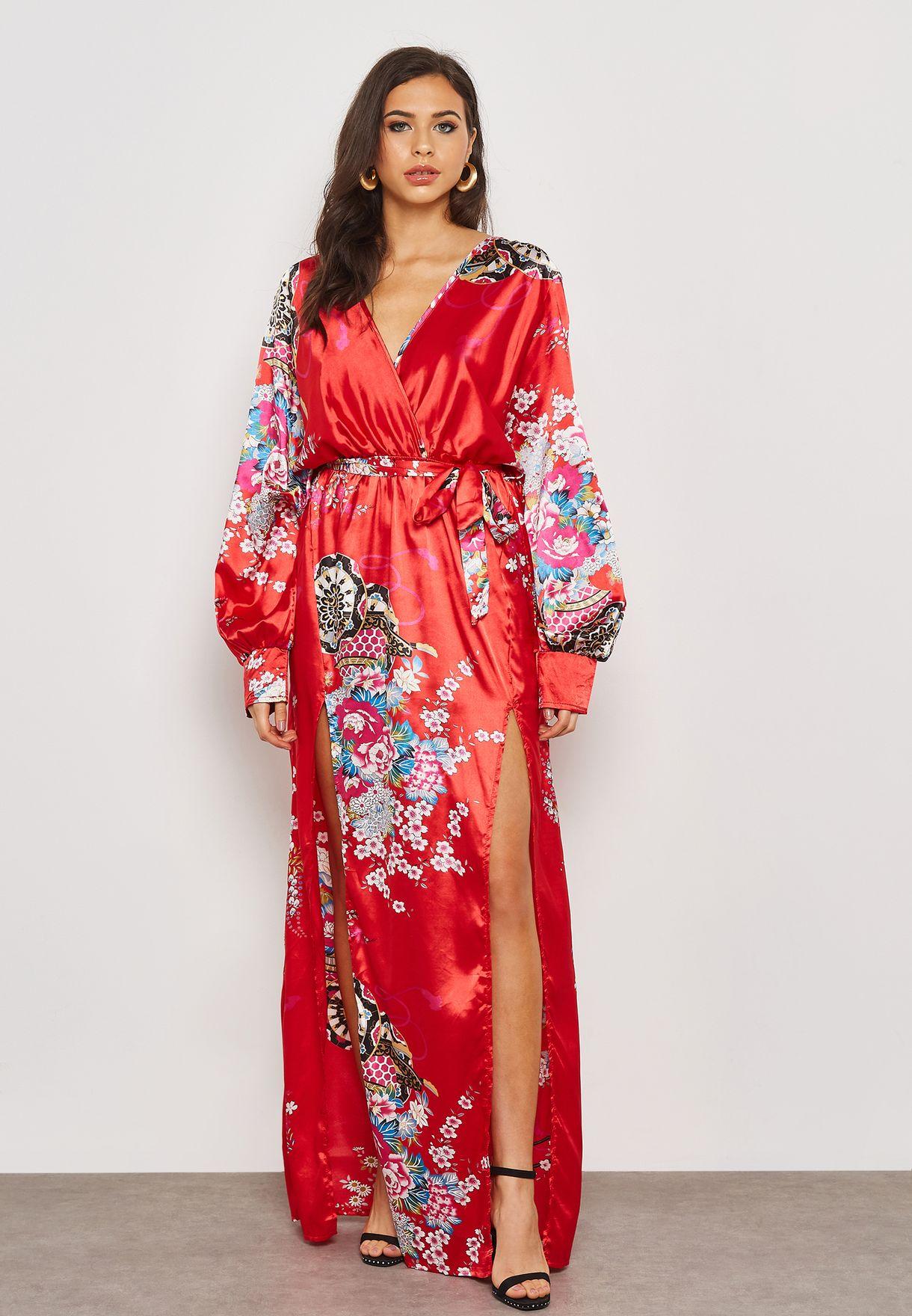 فستان ستان بنمط لف وطبعات ازهار
