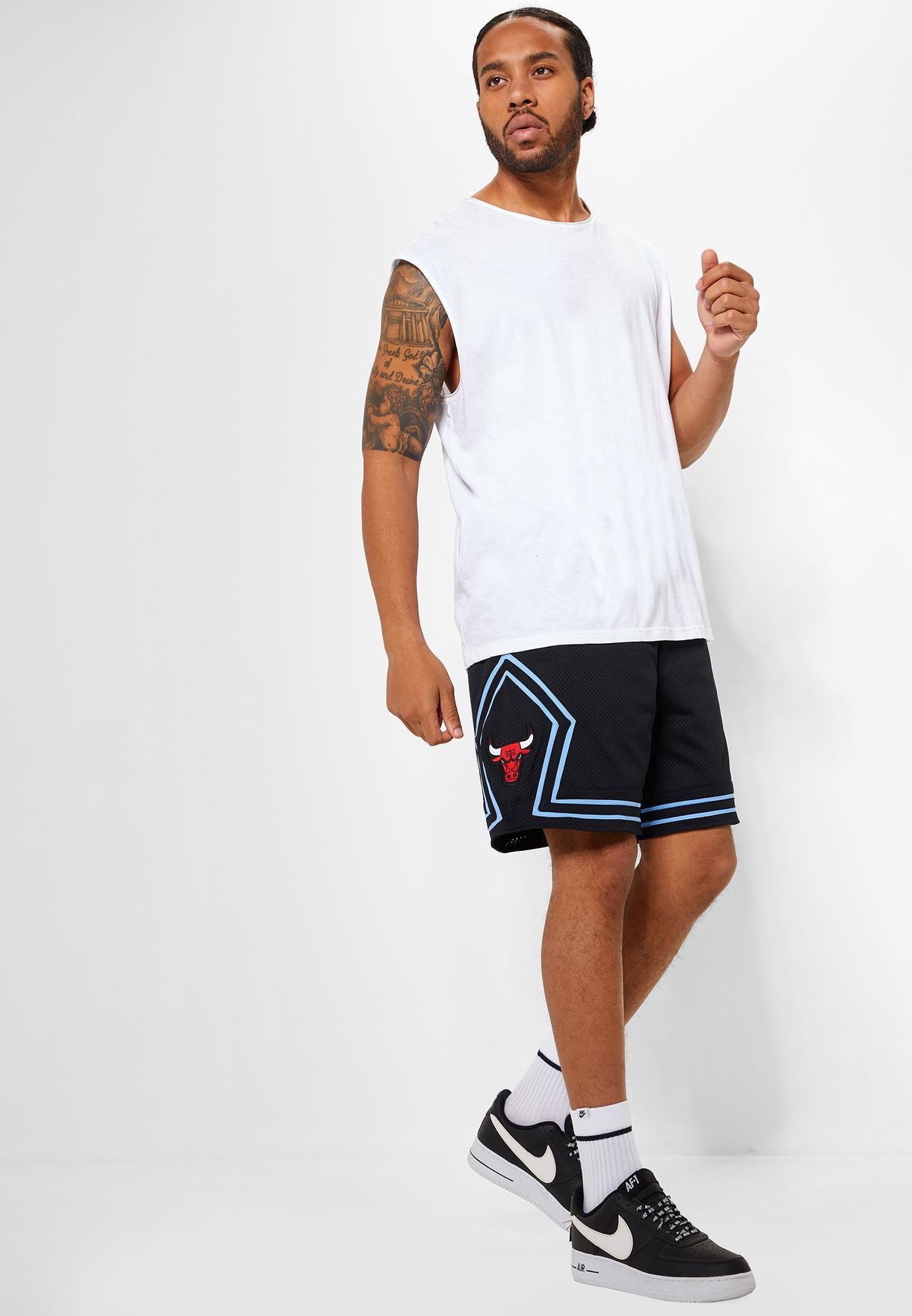 Dedos de los pies tanque embargo  Buy Nike black Chicago Bulls Courtside Shorts for Men in MENA, Worldwide |  930667-010