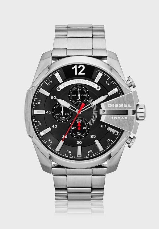 ساعة عصرية بشعار الماركة