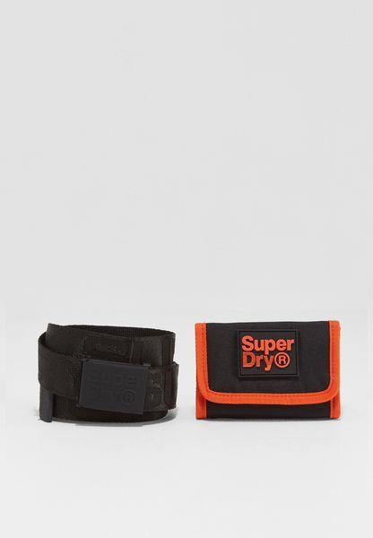مجموعة من حزام ومحفظة