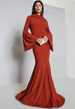 فستان بأكمام فلوت