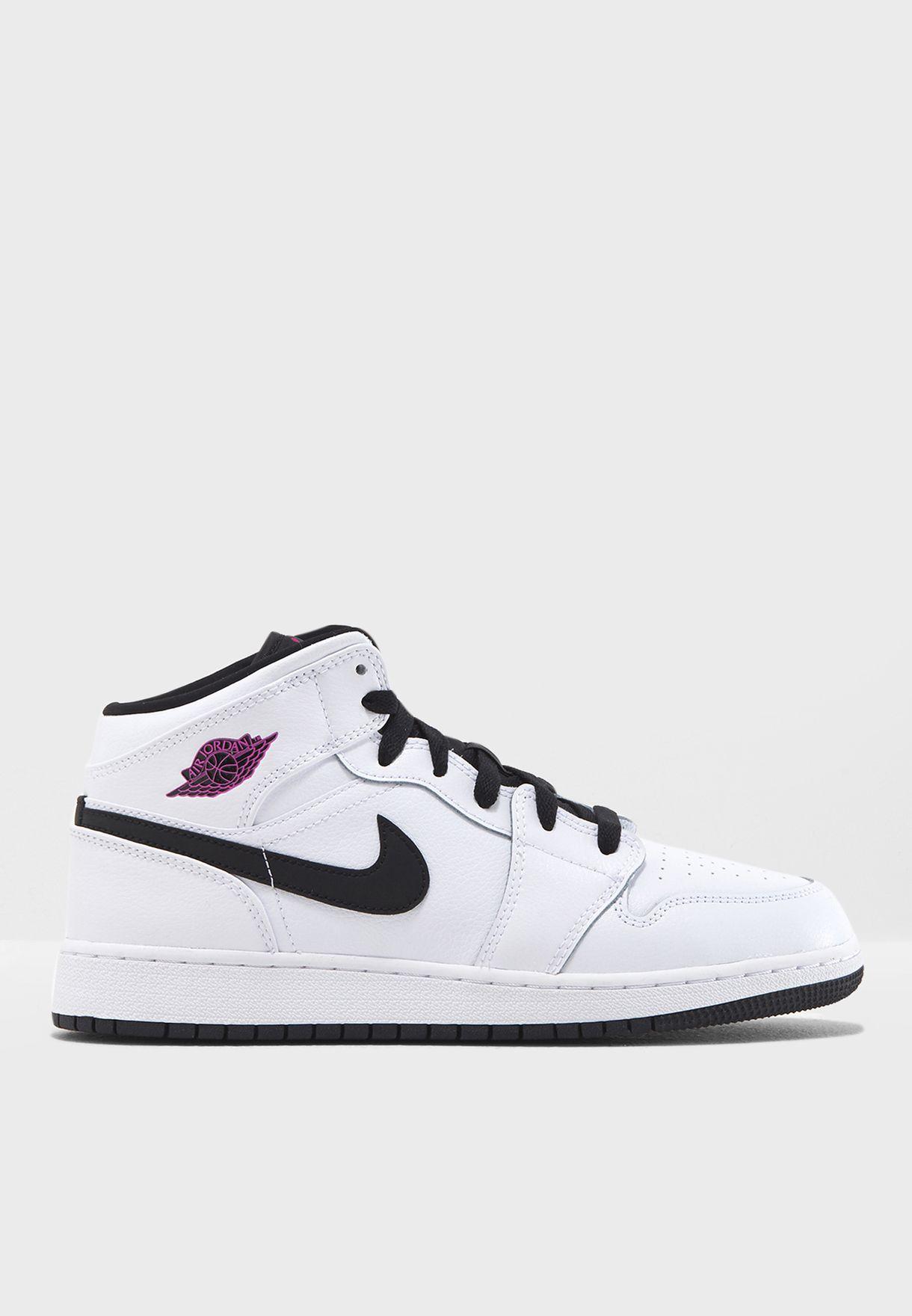 d2d40b4f11d2 Shop Nike white Air Jordan 1 Mid GG 555112-138 for Women in UAE ...