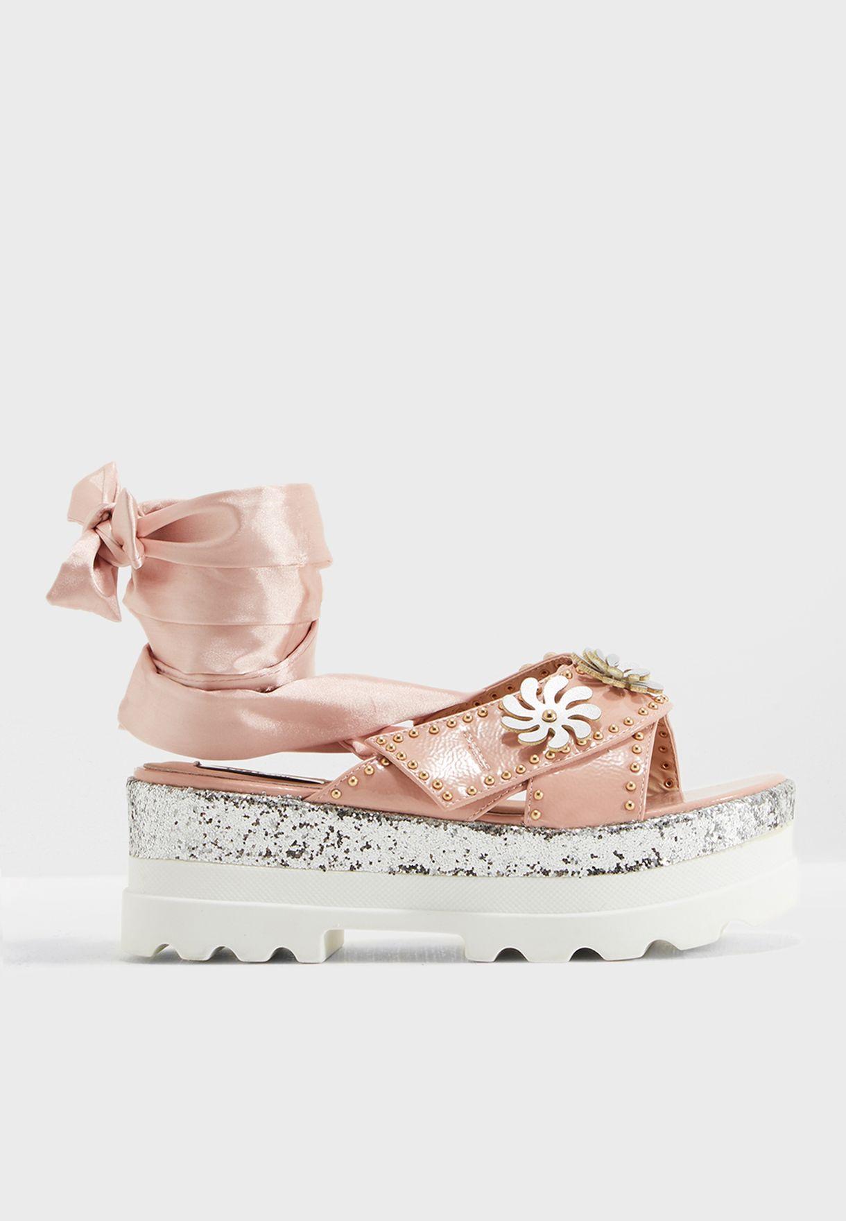 Pin Stud Flatform Sandal
