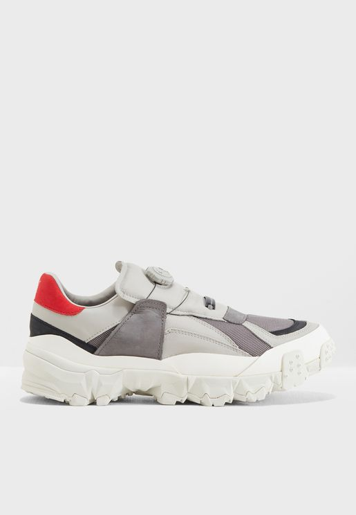 حذاء من مجموعة هان جوبنهافن