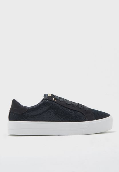 Dillema Low Top Sneakers