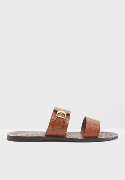 Izzo Di Arabian Sandals