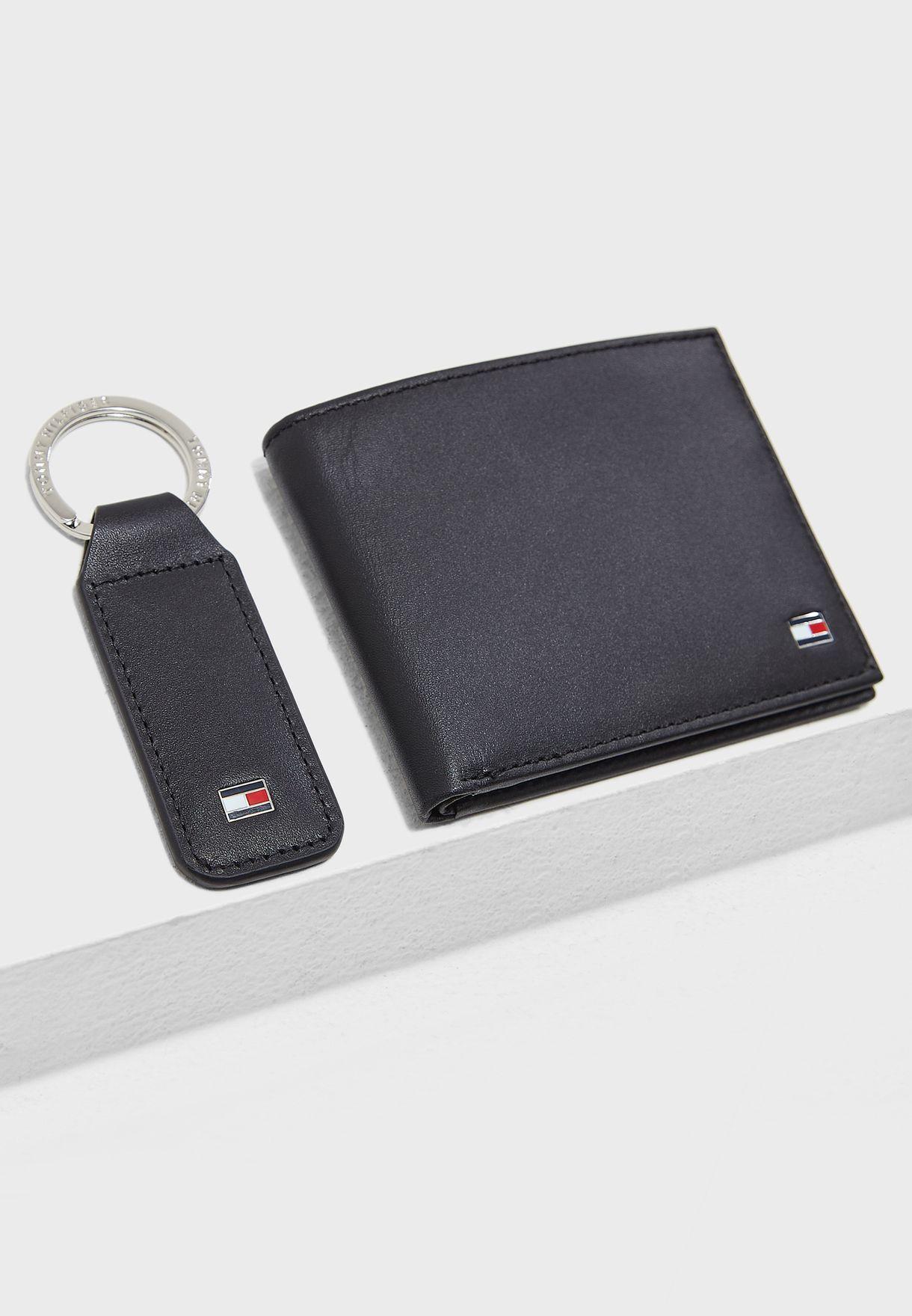 681ec388c Shop Tommy Hilfiger black Eton Mini Wallet With Keyfob AM0AM01188 ...