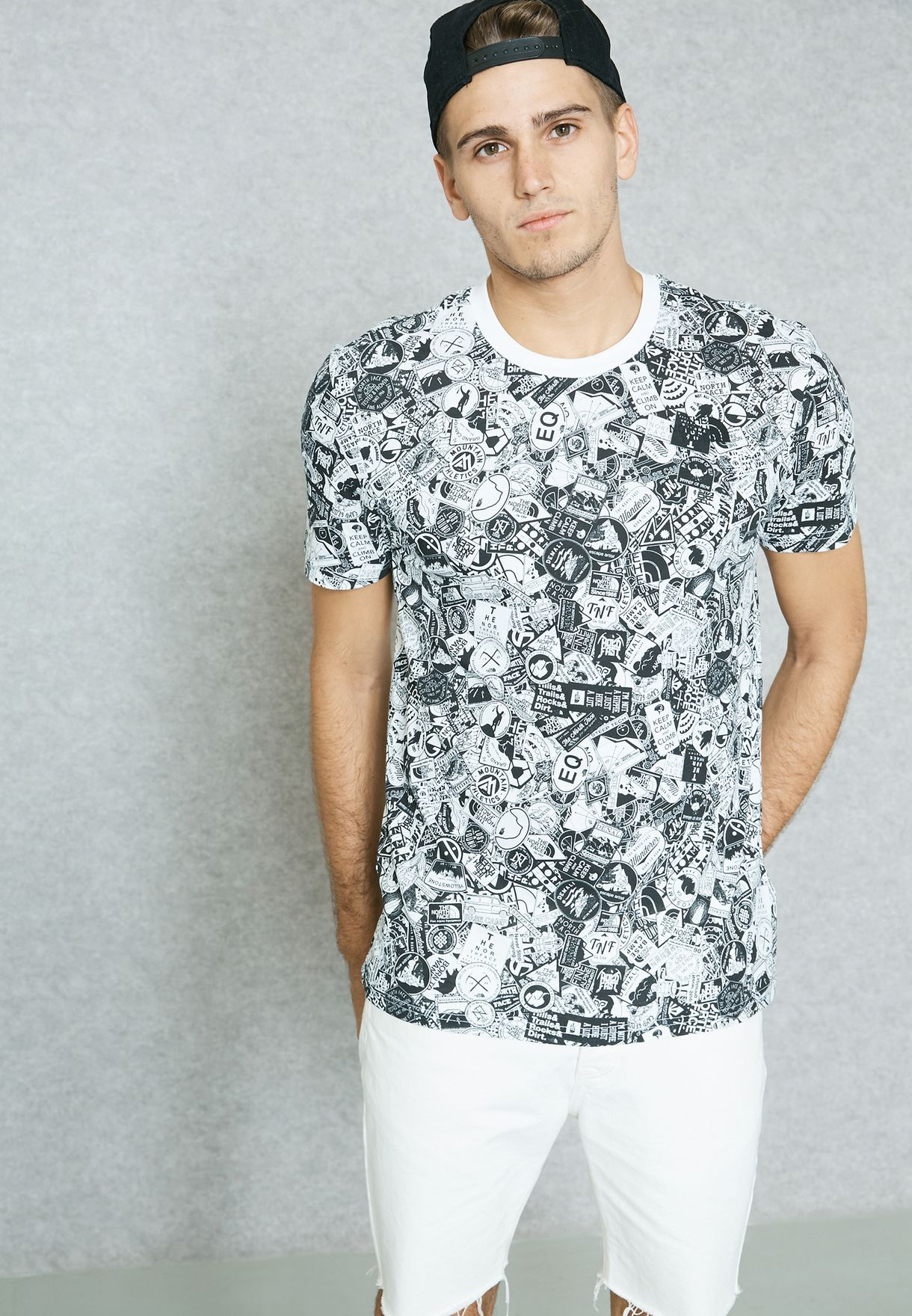 cfcc0ac3 Shop The North Face monochrome Simple Dome T-Shirt NOT92TX5-QUN for ...
