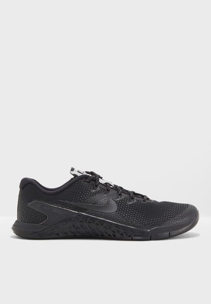 Shop Nike black Metcon 4 Selfie AH8194-001 for Women in Saudi - NI727SH25QBM