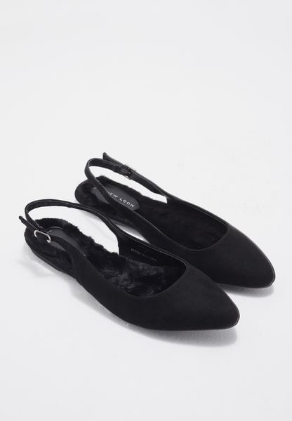 حذاء بسير في الخلف