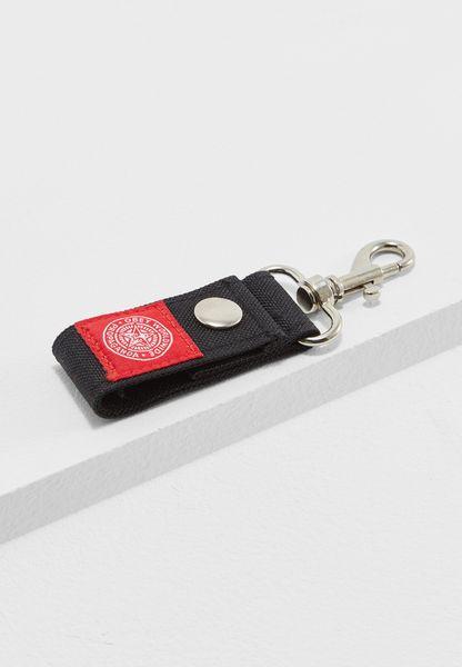 سلسلة مفاتيح بشعار الماركة