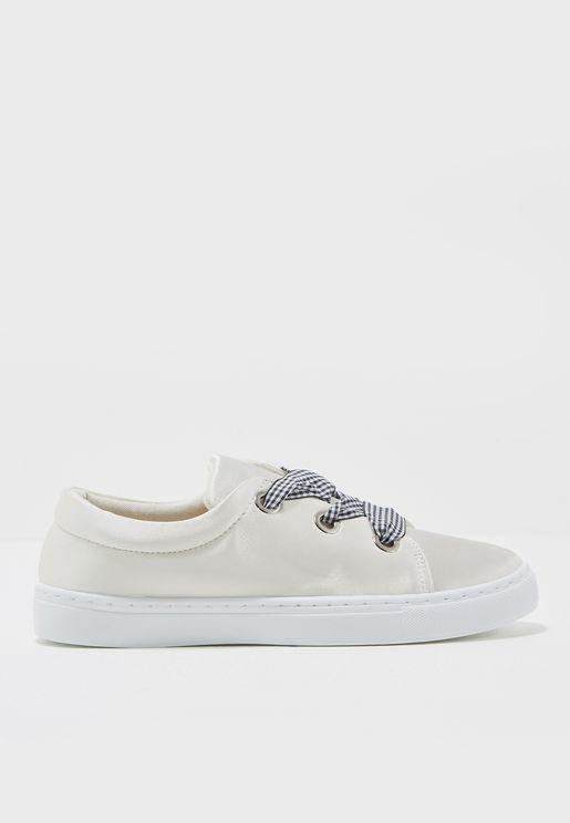 Neats Low Top Sneakers