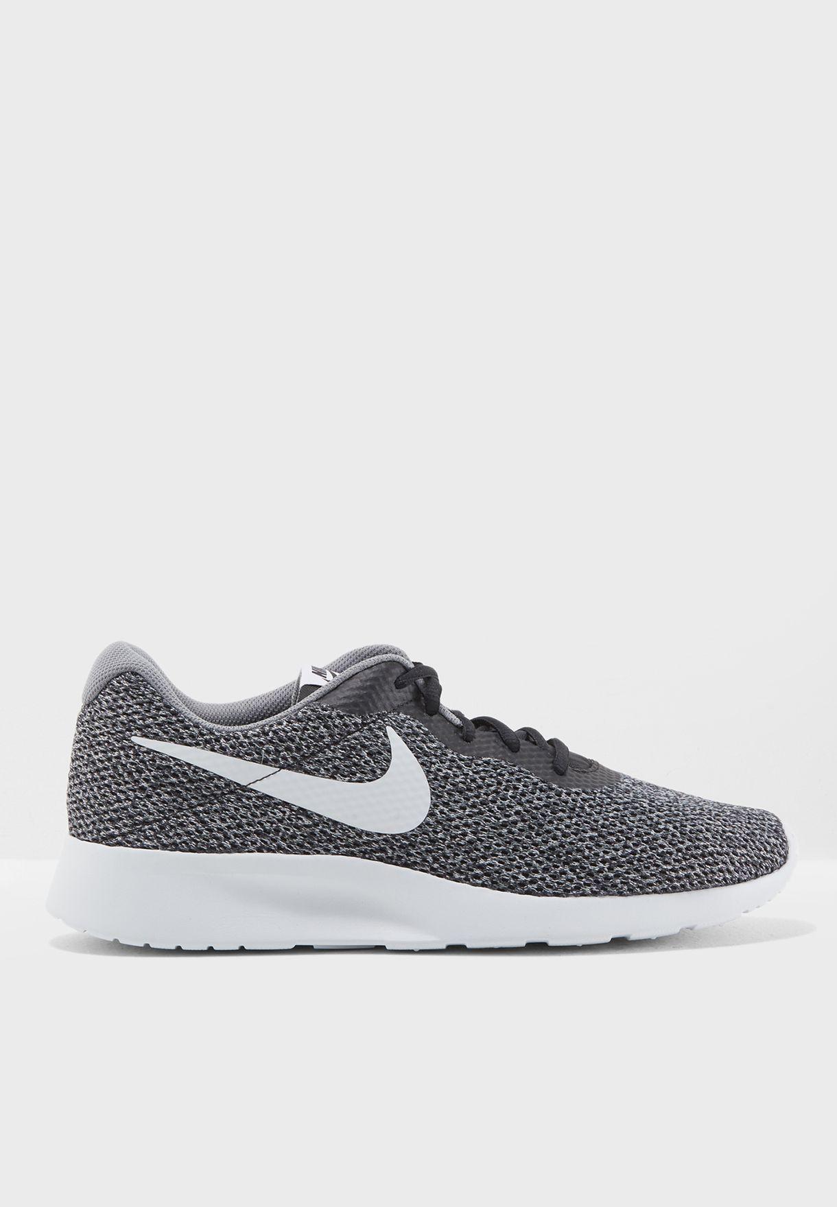 eb08d116e38 Shop Nike grey Tanjun SE 844887-010 for Men in UAE - NI727SH15ZQY