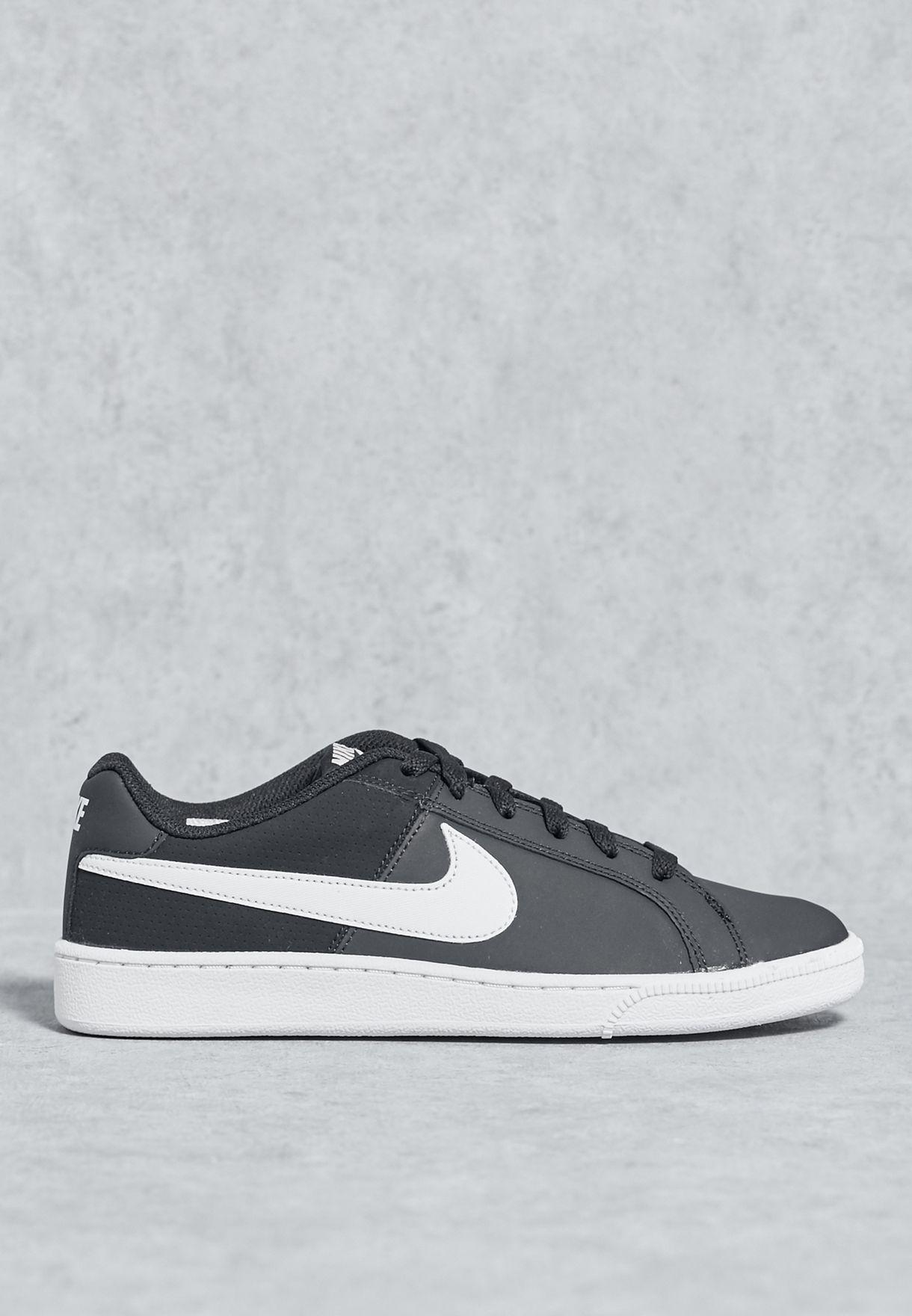 Shop Nike black Court Royale 749867-010 for Women in UAE - NI727SH15WZC 3610dbb562b