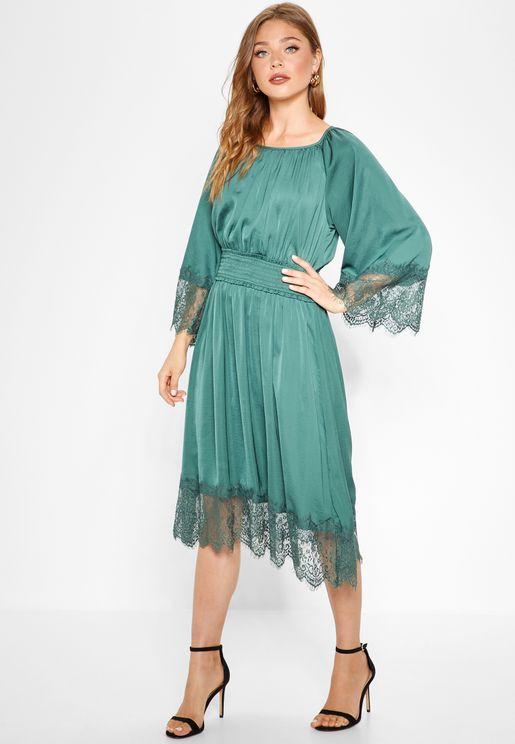 Lace Hem Ruched Detail Dress