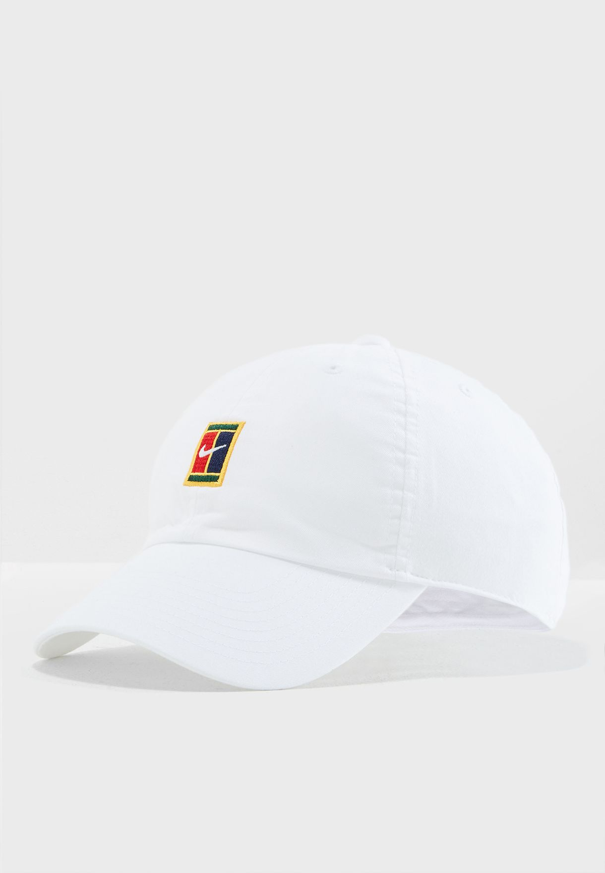 8b723b94 Shop Nike white Heritage 86 Court Logo Cap 852184-100 for Men in UAE ...