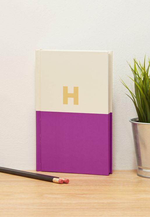 دفتر يوميات مزين بحرف H