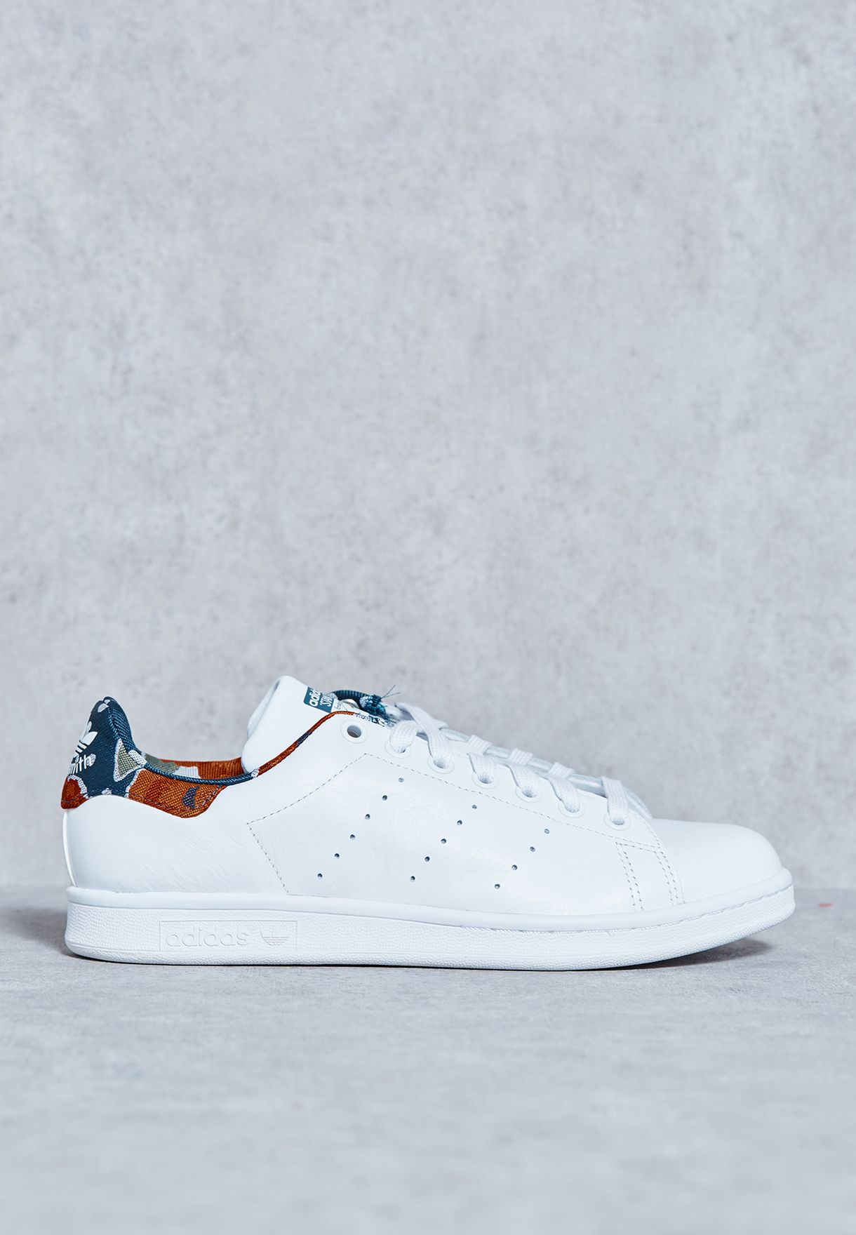 purchase cheap 1bd50 40a3f Shop adidas Originals white Stan Smith S32252 for Women in UAE ...