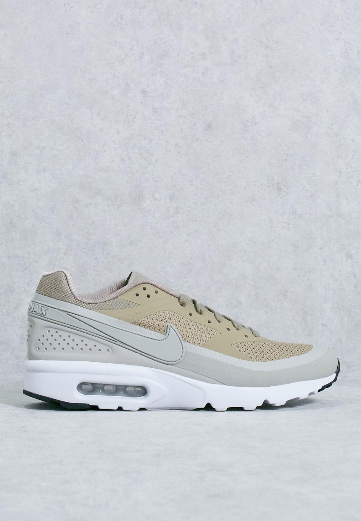 Nike Air Max BW Ultra W chaussures beige blanc dans le shop